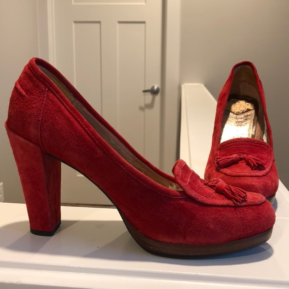 788cf52dca4650 San Edelman red suede pumps with tassels. M 5a77a2cf8af1c5196d473938
